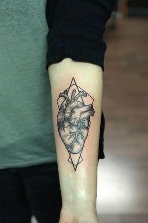 #tattooartists#vienna#hearttattoo#