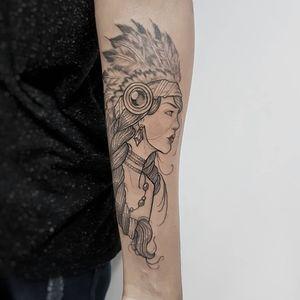 #indian #indiantattoo #womantattoo #tatuagemfeminina #tatuagemdelicada #tatuagemfeminina #flowerstattoo#traçosfinos #tattoo2me #neotrad #neotradicional #neotraditionaltattoo