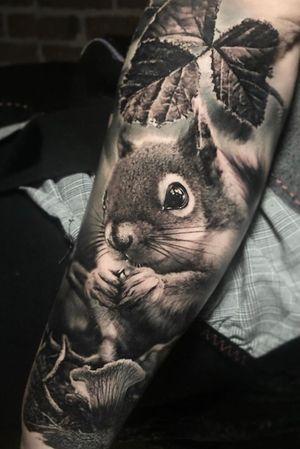 Squirrel time #thomascarlijarlier