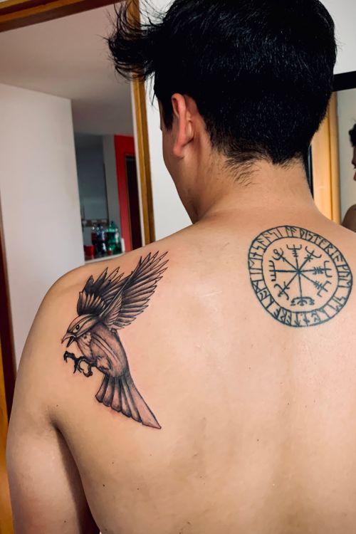 Pájaro tattoo