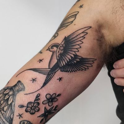 Swallow #Black #swallowtattoo #swallow #denmark #copenhagentattoo #tattoocopenhagen #copenhagen #denmarktattoo #tattoodenmark #tattoo #tattoos #newtattoo #traditionaltattoo #oldschooltattoo