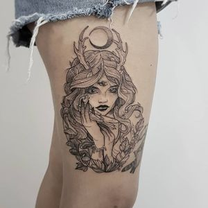 #witch #womantattoo #tatuagemfeminina #women #flores #flowerstattoo #tatuagemdelicada #RoseTattoo #sunflowers #love #inkedgirls #wicca #wiccansymbols