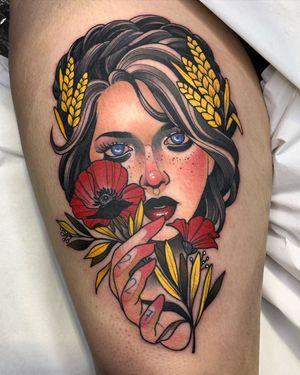 Surreal Neo-Traditional tattoo by Debora Cherrys #DeboraCherrys #neotraditional #surreal #color #ladyhead #lady #portrait #flower #poppy