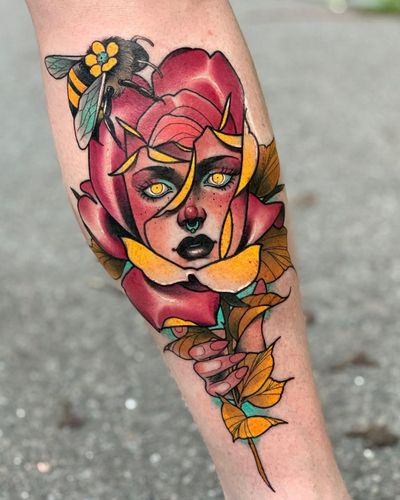 Surreal Neo-Traditional tattoo by Debora Cherrys #DeboraCherrys #neotraditional #surreal #color #ladyhead #lady #portrait #rose #bee #flower