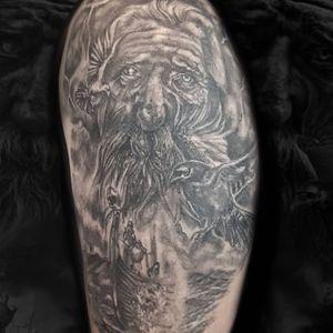 Odin y sus cuervos. Tormenta y Dakkar. Tattoo vikingo diseño propio. Curado y foto sin filtros