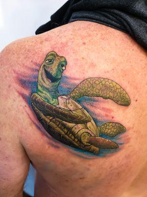 🐢🐢 #underwatertattoo #turtle #findingnemo #disney #watertattoo