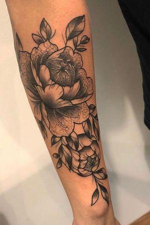 Dot work floral design