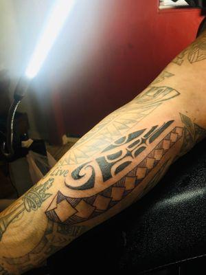 #polynesiantribal #tribal #pattern #design tribal Polynesian design pattern squares lines arm sleeve