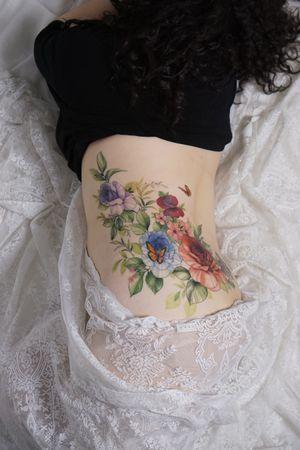 #coveruptattoo #flowertattoo #flower #floral #rosetattoo #color #colortattoo #꽃타투 #커버업타투 #칼라타투 #koreatattoo