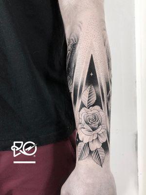 By RO. Robert Pavez • 🌹 • Done in @blacktatuering • 🇸🇪 2019   #engraving #dotwork #etching #dot #linework #geometric #ro #blackwork #blackworktattoo #blackandgrey #black #tattoo #fineline