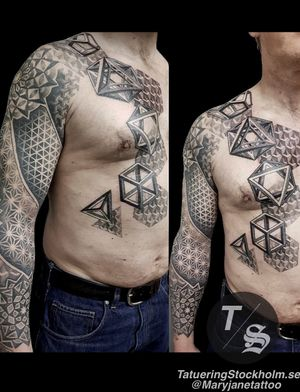 www.tatueringstockholm.se Tattoo by @maryjanetattoo #tattoo #ink #tattoos #tattooartist #art #geometry #tattooartistmagazine #inkedmag #scandinaviantattooers #scandinaviantattoomagazine #inkig #igink #tatuering #tatueringstockholm #tatueringsartist #tatuerad #tats #tattooartists #stockholm #sweden #geometric #sleeve #sacredgeometry #maryjane #maryjanetattoo