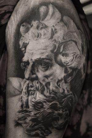 Poseidon #Poseidon #greek #greekmythology #statue #water #godofthesea #sea #aquarius #neptune #god #realism #realistic #realismo #blackandgreytattoo #blackandgrey #darklab #allegoryink #fkirons #Cheyenne #cheyennetattooequipment #cheyennehawkpen #stencilanchored