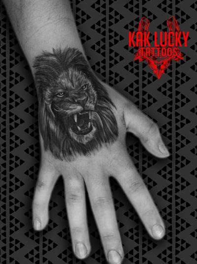 """Lions do not concern themselves with the opinions of sheep."" . . . #fierce #handtattoo by @sfawkestattoos . . . WALK INS WELCOME! Call - 021/422/2963 Email - info@kakluckytattoos.com . . . @flashheal @tattooinc.co.za @electrumstencilproducts . . . #tattoos #art #capetown #kakluckytattoos #tattoo #tattooartist #tattoosofig #tattooedlife #kloofstreet #southafrica #420 #tattoodo #skinartmag #inkedlife #tattoosofinstagram #ink #blxckink #capetowntattoo #kaapstad #lion #portrait #blackwork #fresh #africa #bigcat"