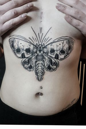Goth Moth - Underboob