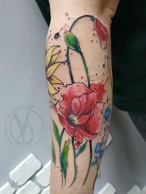 #tattoo #tattooed #victoriadenske #watercolortattoo #art #tattooart #instaart #instatattoo #ink #inked #graphictattoo #tattoodesign #bodyart #tattooedukraine #colortattoo #linework #finelines #blacktattoo #tatt #sketchtattoo #inkstinktsubmission #tattoomobile #wctattoos #amazingink #inkedup #tattooer #tattoodo #kyivtattoo #sleevetattoo #sketchtattoo