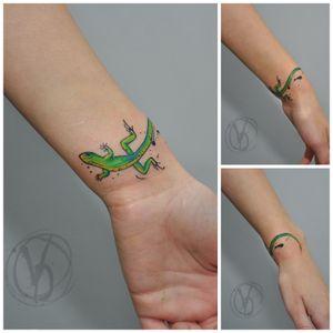 #tattoo #tattooed #victoriadenske #tattooart #tatt #lizardtattoo #kyivtattoo #kievtattoo #tattooedukraine #instatattoo #colortattoo #linework #watercolortattoo #splash #ink #inked #tattoodo