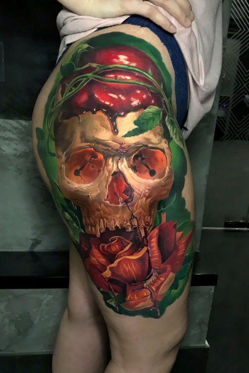 #skull #tattoo #tattoodo #tattoorealistic #besttattoos #inkedmag #tattooartist #tattooed #realism #colourrattoo #skulltattoo