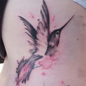 #hummingbirds #hummingbirdtattoo #hummingbird #watercolor #watercolortattoo #bruxellestattoo #bruxelles #bird #cute #cutetattoo #smalltattoo #streetart