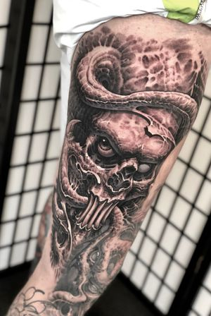 #demon #armtattoo #horror #freehand #boyetattoo #darkart #skull