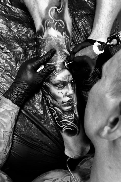 #artist #working #dark #blackandgrey #boyetattoo