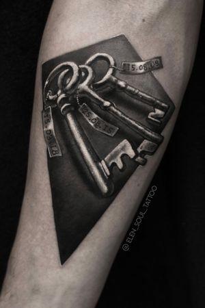 The keys with the dates #msktattoo #blackandgray #keys #dates #elensoul