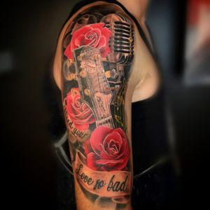 Guitar mic and roses
