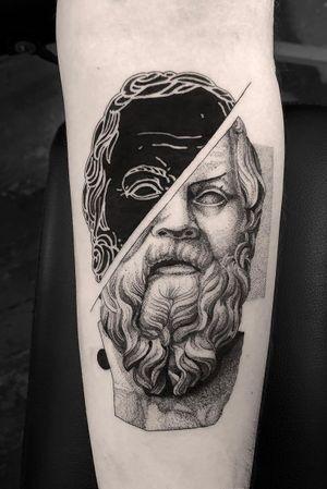 #tattoodesign #tattooflash #tattoodo #tattoos #blackwork #tattooidea #detailed #detail #singleneedle #black #sculpture #contemporary #portrait #blackansgrey #blackwork #dotwork #negative #socrates