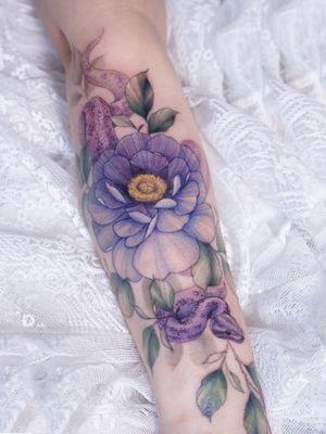 #colortattoo #koreatattoo #seoultattoo #snaketattoo #flowertattoo #tattooistsilo #silotattoo #sleevetattoo #armtattoo #tattooartist