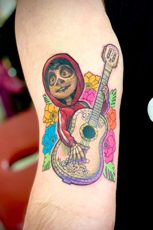 #disney #disneytattoo #coco #dayofthedead #mexico #mexican #guitar #flowers #colour