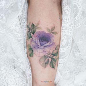 #flower #floral #flowertattoo #colortattoo #linework #lineworktattoo #fineline #smalltattoo #koreatattoo #koreaartist #seoultattoo #tattooistsilo #watercolor #armtattoo #sleevetattoo