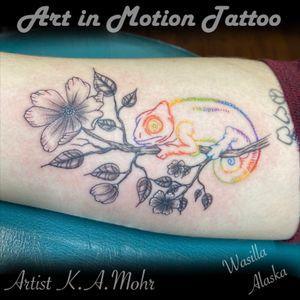 A colorful chameleon today @art_in_motion_tattoo #celticrose #chameleon #chameleontattoo #alaskatattoo #wasillatattoo #wasillaalaska #matsuvalley #palmeralaska #tattoo #inked #alaskaartist #alaskalife #veteranowned #lonewolf #tattooartistkamohr #art_in_motion_tattoo