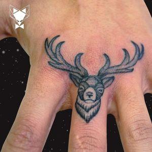 Single needle finger deer