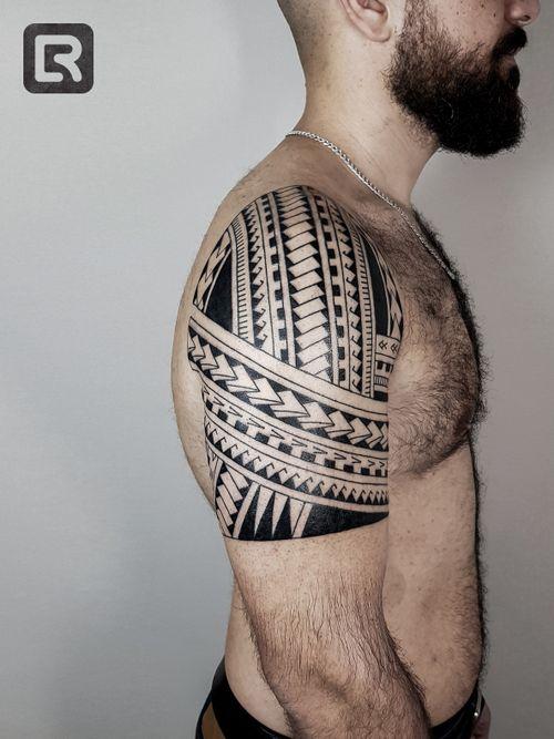 #raskinstyle #freehand #freehandtattoo #samoa #tribal #black #blacktattoo  #sleeve #tattoodo