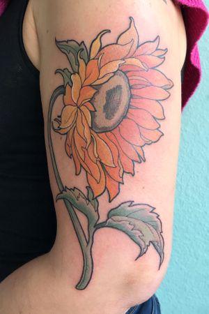 #sunflower #floraltattoo #flowertattoo #flowertattooberlin #tattooberlin #botanic #neotraditional