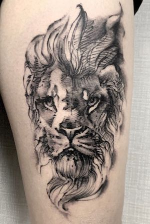#lion #liontattoo #blackandgrey #blackwork #black #blacktattoo #grey #legtattoo #thightattoo #thigh #melbourne #melbournetattoo