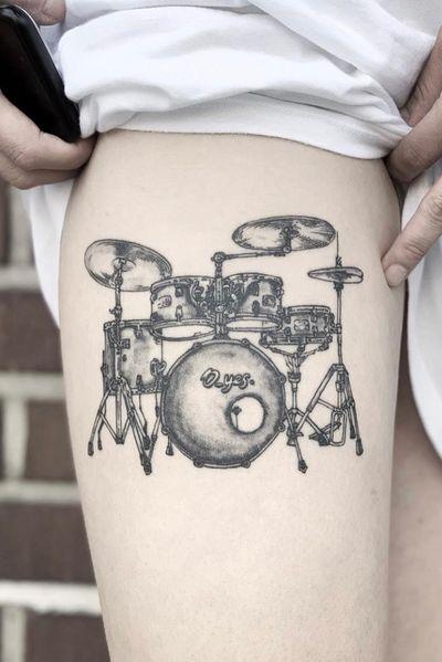 #fineline #finelinetattoo #line #linework #linetattoo #blackandgrey #black #grey #blacktattoo #blackwork #drum #drums #melbourne #melbournetattoo #drawing #drawingtattoo