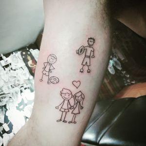 Great family 😍 😍 😍 😍 #art #artwork #artist_community #tattoo #tattoos #bngtattoos #tattooart #tattooartist #ink #inked #potn #potd #leteringtattoo #bangkok #udomsuk #smalltattoos #daily#dairy #minimal #minimaltattoo #lover #love #loveyourself #family #familytime