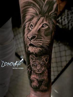 Así quedó este León y cachorro realizado el día de hoy 💪💉😊 #leontattoo #sombrastattoo #realismosombrastattoo #DonovanTattoos #tatuajestunja