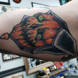 Good old pumpkin reaper. Watchout for these rebels. They're friggin crazy #pumpkin#pumpkintattoo#halloween#halloweentattoo#traditional#traditionaltattoo#party#partytime#tattoo#thoseguys#neotrad#neotraditional#explorepage#explore#explorer#sacramento#westsacramento#redding#victoryinktattoo#victortink#ironmountaintattoo#ironmountain#femtn#not#feminist#or#feminism#nothingwrongwiththat#watch