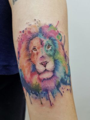 Leão aquarelado. Ideia trazida pela cliente