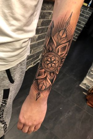 Geometric start of a sleeve