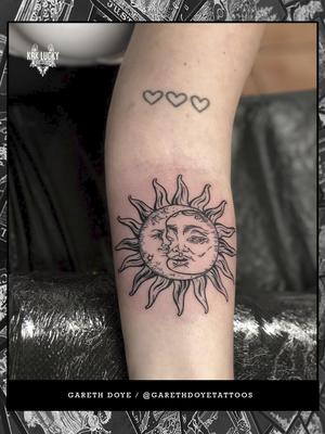 Fortune Favored . . . #beautiful #tarot #inspired sun and moon by Gareth Doye Tattoos for @_heyitsjoe at @luckyironstattoocph . . . WALK INS WELCOME! Call - 021/422/2963 Email - info@kakluckytattoos.com . . . @flashheal @electrumstencilproducts @blackclaw . . . #tattoos #art #tattooartist #tattoosofig #electrumstencilprimer #tattooed #420 #tattoooftheday #luckyironstattoo #walkins #tatovering #dipandrip #radtattoos #flashheal #kakluckytattoos #capetown #copenhagen #capetowntattoos #magic #mood #instagood #instadaily #fresh #picoftheday #tattoooftheday