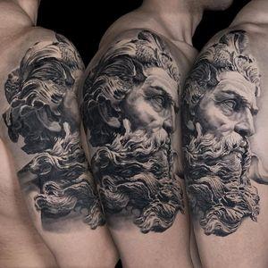 Zeus by Kari Barba #KariBarba #blackandgrey #realism #realistic #Illustrativerealism #zeus #sculpture #portrait