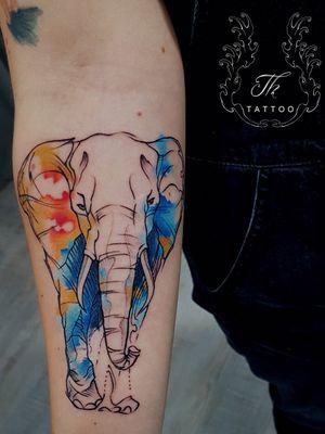Watercolor elephant tattoo #watercolortattoo #siegentattoo #kreuztal #germany #tattoooftheday #bucharest #bucuresti #tatuaj #tatuaje #tatuajebucuresti www.tatuajbucuresti.ro