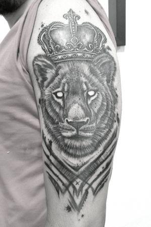 #lionesstattoo#ornamentaltattoo#feminin #tattoo #geometric #organica #mandala #flores #rosatattoo #dmoch