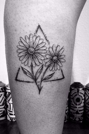 #fineline #tattoo #geometric #organica #mandala #flores