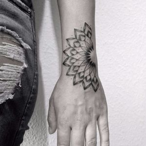 #madala #fineline #geometrica