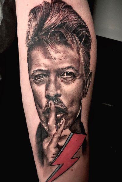 Bowie! I love tattooing portraits, especially icons #portraittattoo #davidbowie #realismtatttoo