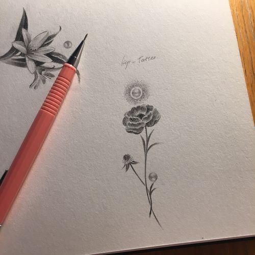 Flower drawing #kyo #kyotattoo #flower #fineline #dotwork #drawing #berlin #ink #tattoo #europetattoo #berlintattoo #berlintattooist #artist #pencil #타투 #꽃 #꽃타투 #베를린