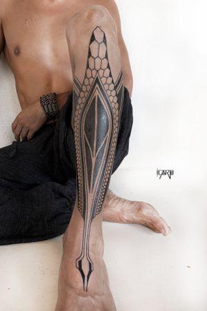 A representation of the maguey and the snake #blackwork #blacktattoo #linework #tribaltattoo #geometrictattoo #blackworktattoo